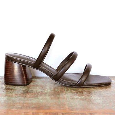Sandália Três Tiras Chocolate (Mule)