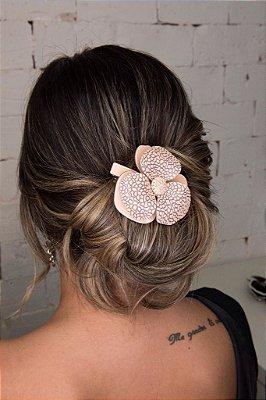 Fivela camélia para cabelo