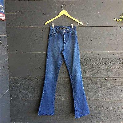 Calça Jeans Escura BootCut