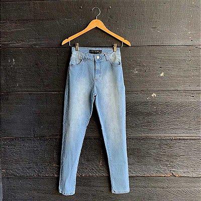 Calça Jeans Lavagem Clara