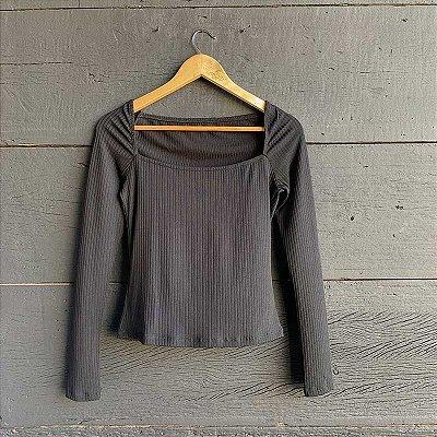Blusa Canelada Preta Decote Quadrado