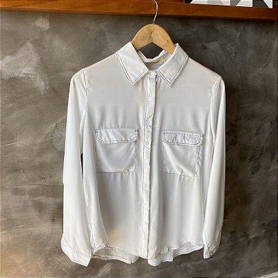 Camisa Branca c/ Pesponto Preto