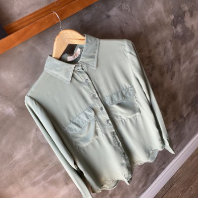 Camisa Verde c/ Pesponto Branco