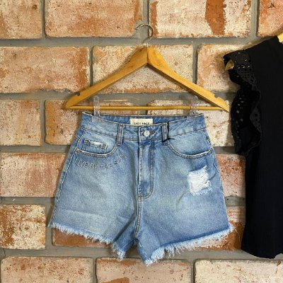 Short Jeans Hot Pant Lavagem Clara Bordado Lady Rock