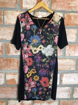 Vestido Malha Curto Preto Estampa Flores