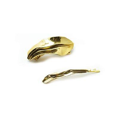Prendedor em metal dourado par