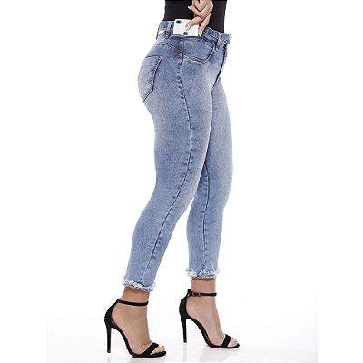 calça jeans prs capri clara com cinto
