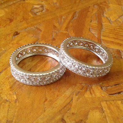 Anel de prata cravejado
