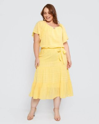 Vestido Midi Três Marias Amarelo Com Detalhe Em Miçangas E Acompanha Cinto Faixa - 420580