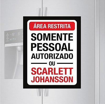 Imã de geladeira - Área restrita, Scarllet