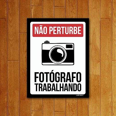Placa Decorativa Fotógrafo Trabalhando