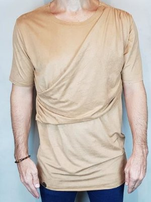 Camisa T-Shirt Chamoa Veludo Teselli by linha Spoiler Ocre