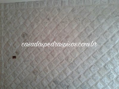 Pedra Madeira branca codorna 11,5x11,5 almofadada