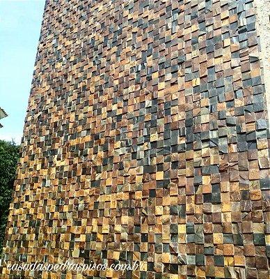 Pedra Ferro 10x10 parede m²