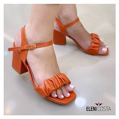 Sandália Salto bloco - Material enrugado