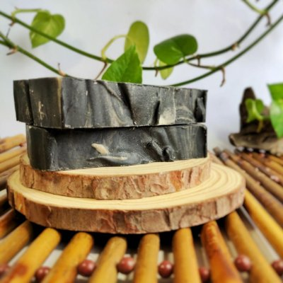 Sabonete de Carvão Ativado e Argila Preta