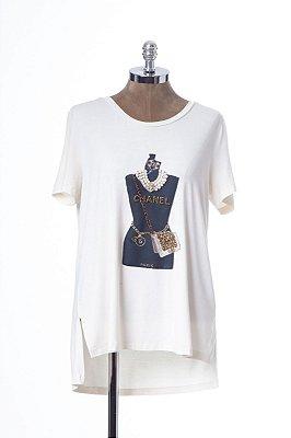 T-Shirt Manequim Bordado Pérola