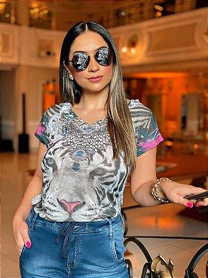 T-Shirt Decote V Tigre Básica - Coleção Gaudi