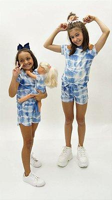 Conjunto de Bermuda Moletinho Azul Aplique Xô Mau Olhado Kids e Vestido Boneca