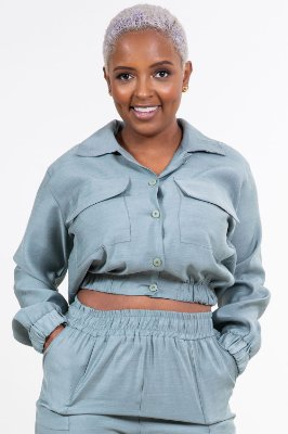 Jaqueta curta viscose com botão e bolso