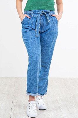 Calça jeans clochard com barra virada