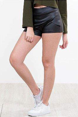 Shorts saia curto detalhe camadas