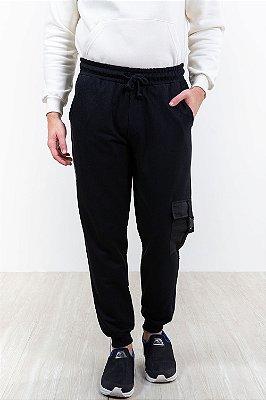 Calça moletom com bolso lateral e punho colisão