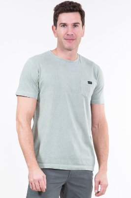 Camiseta manga curta com bolso colisão
