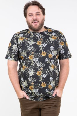 Camiseta manga curta estampa floral plus size