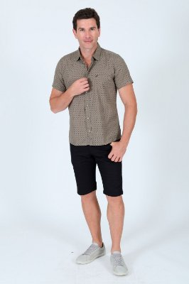 Camisa manga curta estampada slim