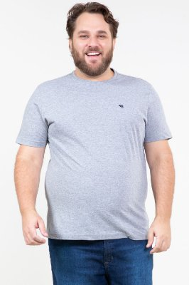 Camiseta manga curta gola careca básica plus size