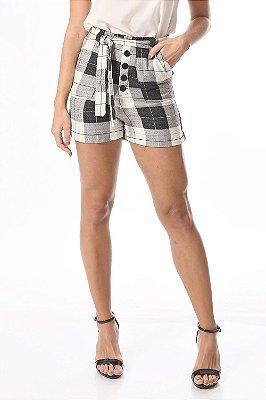 Shorts xadrez com faixa