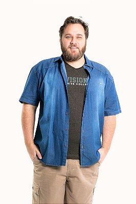 Camisa jeans manga curta plus size