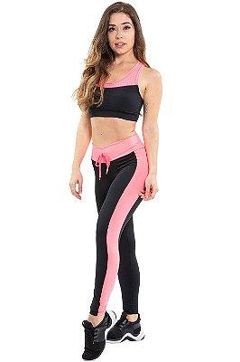 Calça legging fitness com recorte lateral