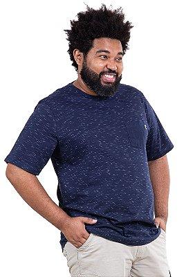 Camiseta manga curta com bolso plus size