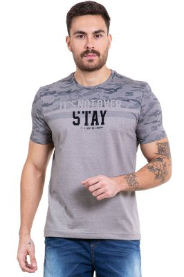 Camiseta manga curta estampa camuflada