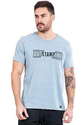 Camiseta manga curta  bordado outstanding