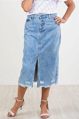 Saia jeans com fenda frontal barra desfiada