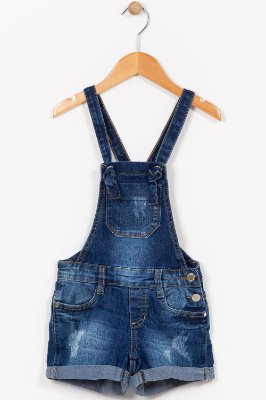 Jardineira jeans infantil curta com desgaste