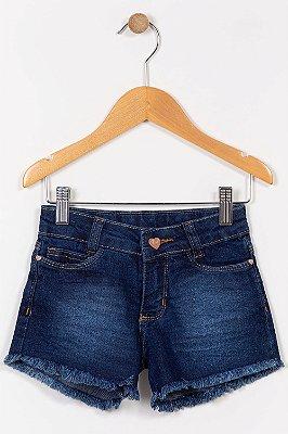 Shorts jeans infantil curto com barra desfiada
