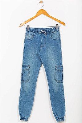 Calça jeans juvenil com punho e bolso
