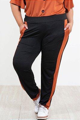 Calça jogging lisa com recorte lateral plus size