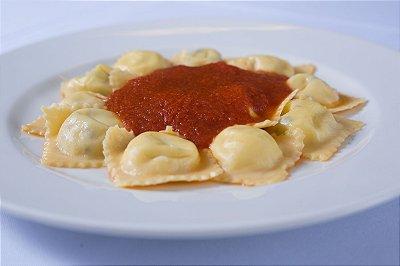 Ravioli Di Mozzarella Di Bufala Al Sugo