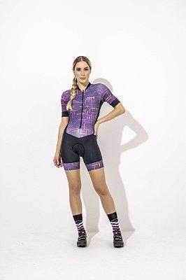 Macaquinho Feminino para Ciclismo Isabelle - Estampado Preto e Roxo