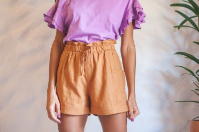 Short bolsos laterais