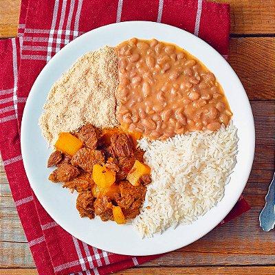 Carne de Panela, Arroz com Feijão e Farofa