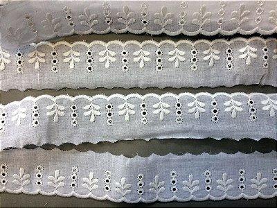 Tira Bordada 4,00 cm - 100% algodão branco | Peça com 14,40 m