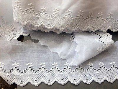Tira Bordada 10,00 cm - 100% algodão branco | Peça com 14,40 m