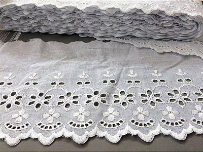 Tira Bordada 15,50 cm - 100% algodão branco | Peça com 14,40 m