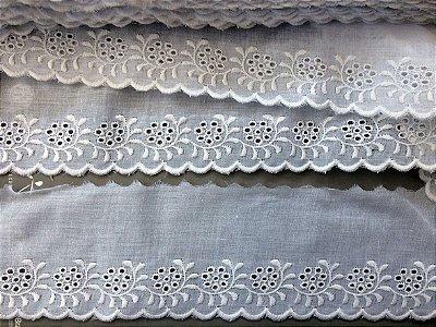Tira Bordada 7,70 cm - 100% algodão branco | Peça com 7,20 m